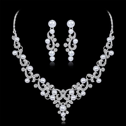 Necklace Pearl Inlaid Floral Jewelry Sets (Wedding) Necklace Pearl Inlaid Floral Jewelry Sets (Wedding)