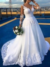 Long Sleeves Appliques Beading Wedding Dress