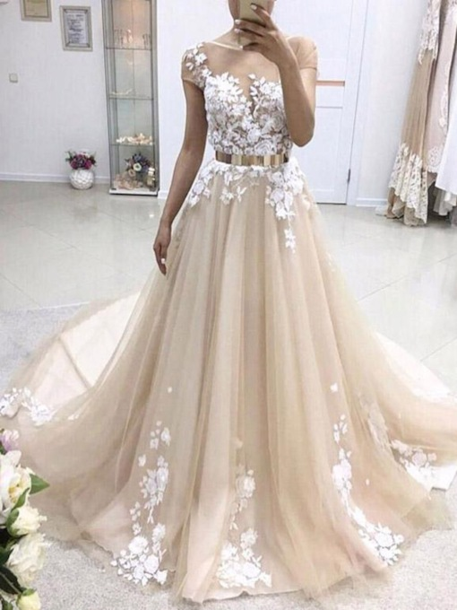 Flowers Appliques Scoop Neck Cap Sleeve Wedding Dress 2019