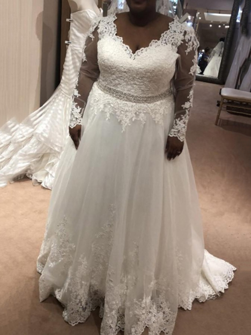 Long Sleeve Appliques Beading Plus Size Wedding Dress 2019