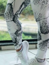 Feathers Raindrops Print Sports Casual Women's Leggings