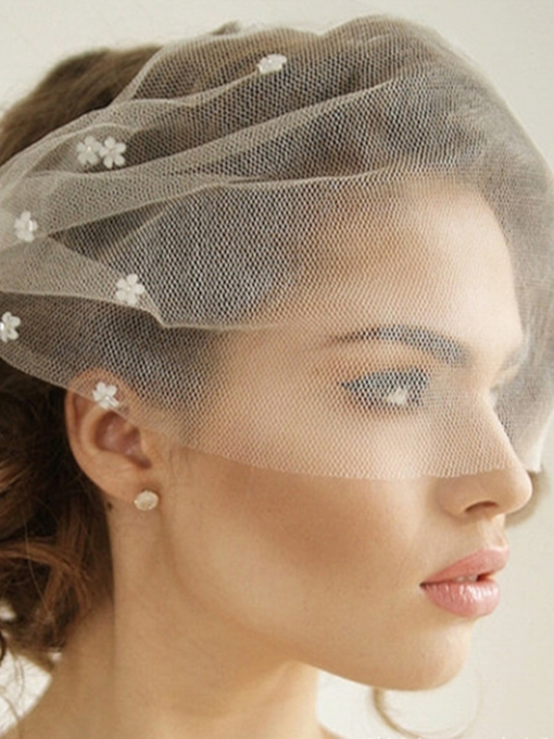One-Layer Bead Flowers Cut Edge Wedding Veil 2019