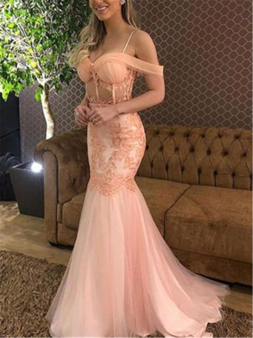 Cap Sleeves Appliques Spaghetti Straps Sweep Train Evening Dress 2019