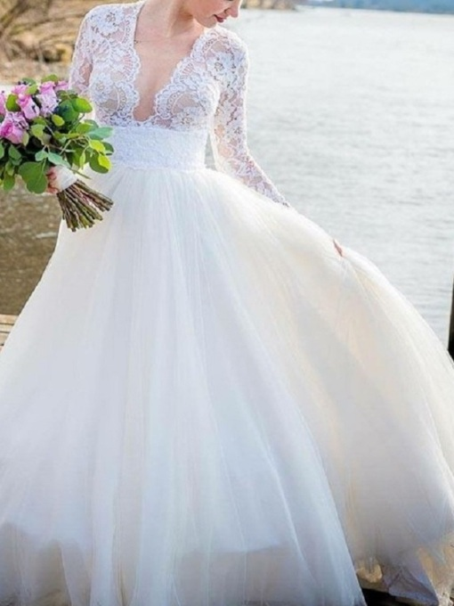 Long Sleeves V-Neck Lace Wedding Dress 2019