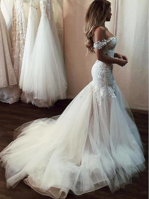 Off-The-Shoulder Appliques Tulle Mermaid Wedding Dress