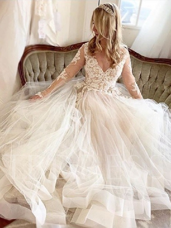 V-Neck Appliques Long Sleeve Wedding Dress 2019