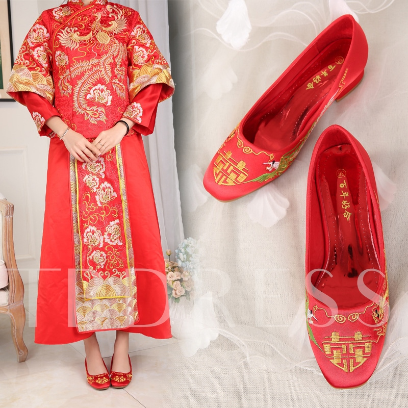 Female Embroidery Thin Shoes Square Toe Block Heel Bridal Shoes