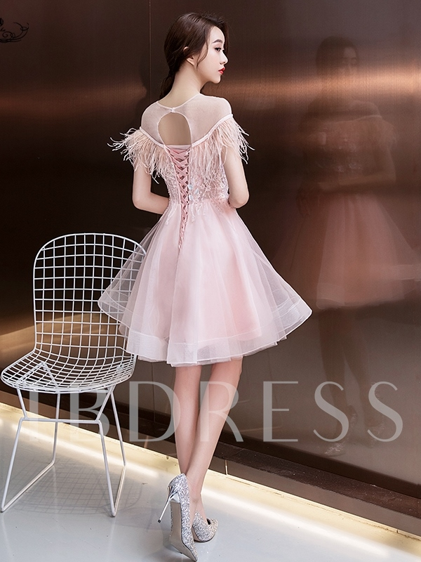 Feather Scoop Knee-Length Short Sleeves Homecoming Dress 2019