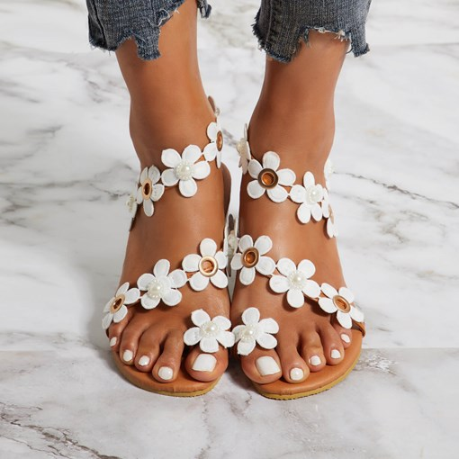 Toe Ring Slip-On Strappy 3D Appliques Casual Sandals