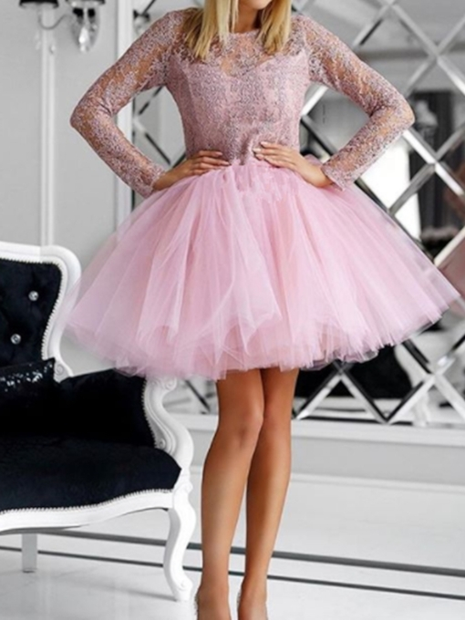 Long Sleeves Short Appliques Scoop Cocktail Dress 2019