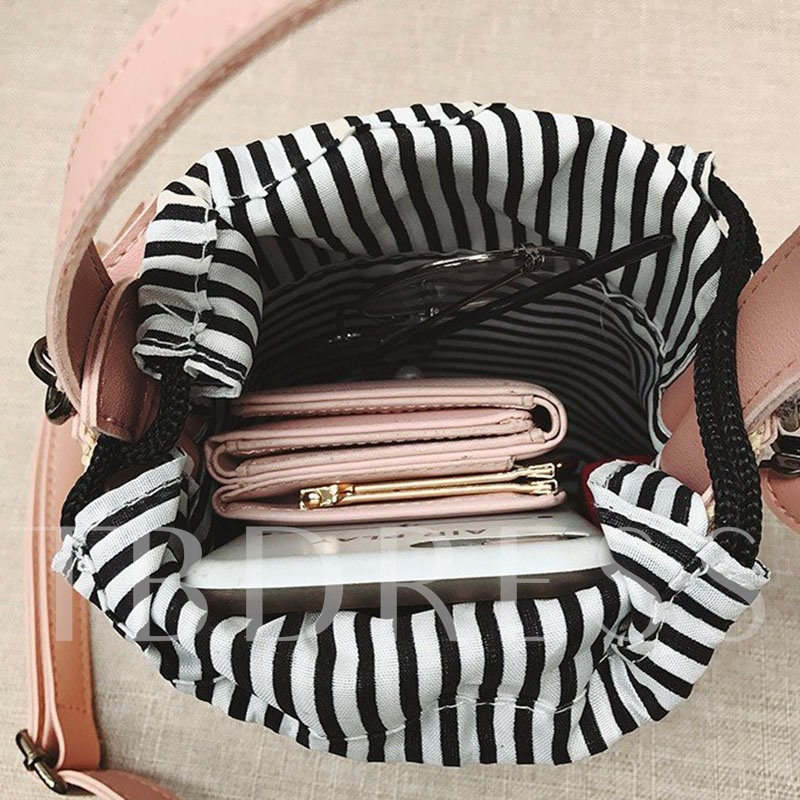 Knitted Barrel-Shaped Tote Bags