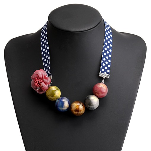 Vintage Floral Pendant Necklace Female Necklaces