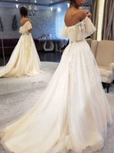 Off-The-Shoulder Short Sleeves Appliques Outdoor Wedding Dress 2019
