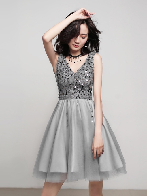 A-Line Sleeveless Knee-Length V-Neck Homecoming Dress 2019