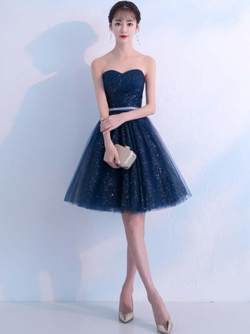 Knee-Length Sweetheart Beading Sequins Homecoming Dress