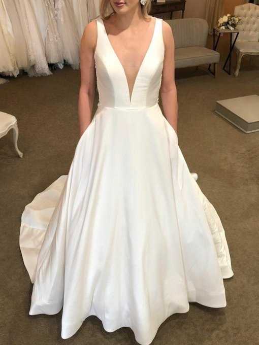 Deep V-Neck Pockets Backless Wedding Dress 2019