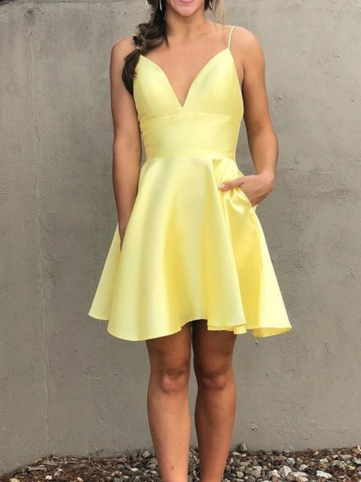 Pockets Spaghetti Straps Short Zipper-Up Daffodil Homecoming Dress