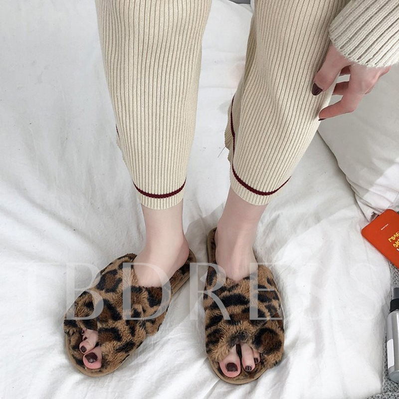 Cross Flat Slip-On Leopard Wniter Slippers