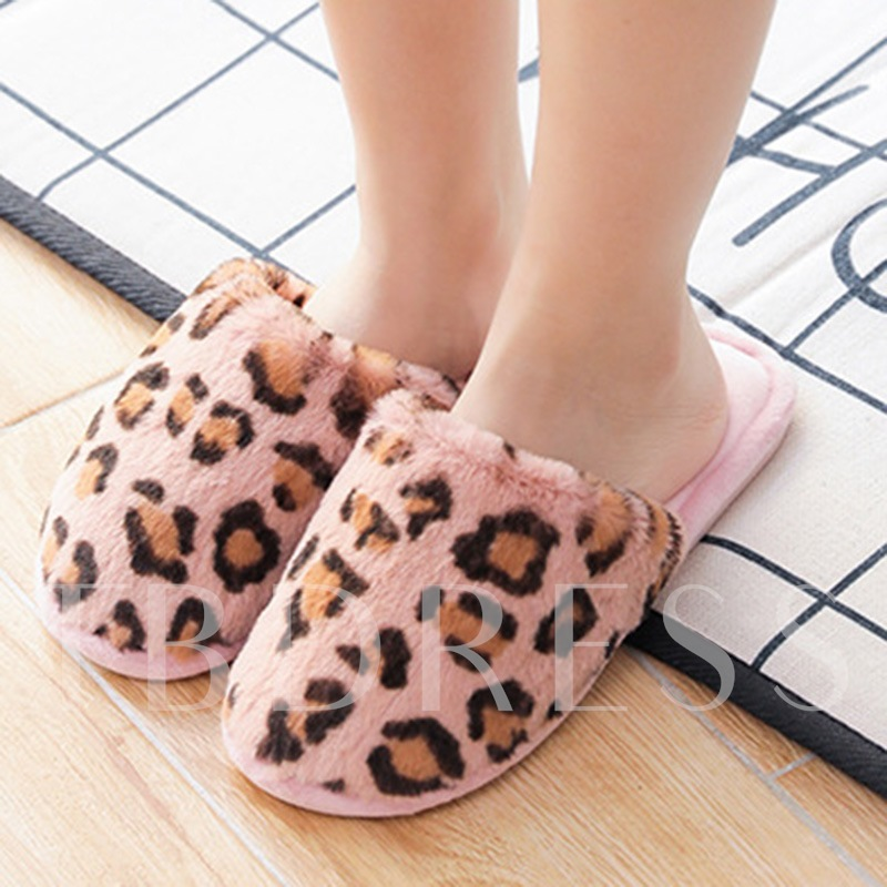 Slip-On Closed Toe Flat With Wniter Slippers