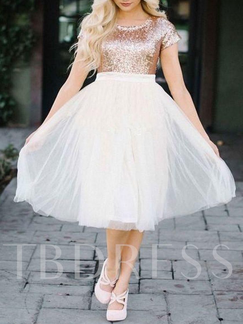 Short Sleeves Scoop Sequins Knee-Length Homecoming Dress