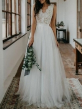 Low Back A-Line Lace Beach Wedding Dress 2019