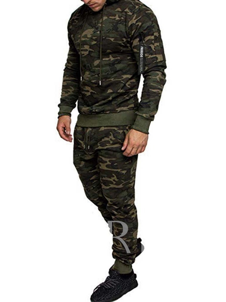 Casual Hoodie Men's Outfit
