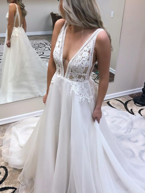 V-Neck Court Train Appliques Low Back Wedding Dress 2019