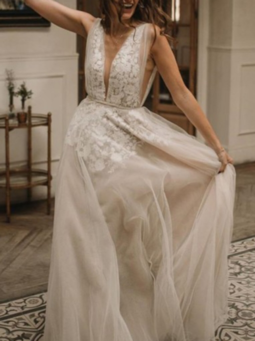 Deep V-Neck Appliques Outdoor Wedding Dress 2019