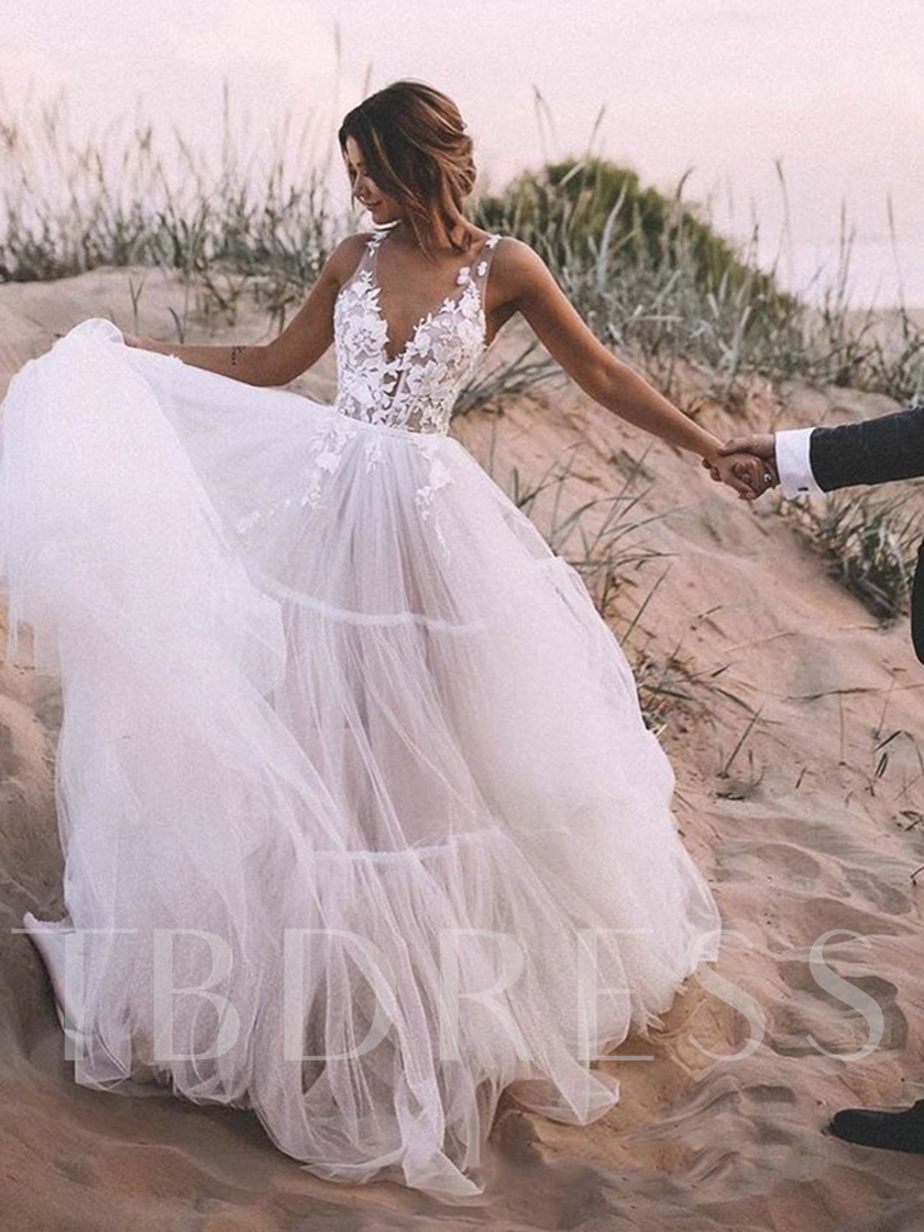 Straps V-Neck Appliques Garden Wedding Dress 2020