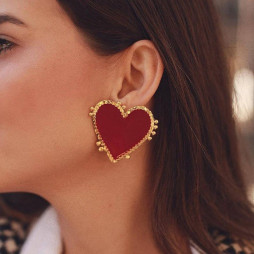 E-Plating Vintage Heart-Shaped Stud Earrings