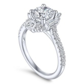 Diamante Romantic Wedding Engagement Rings