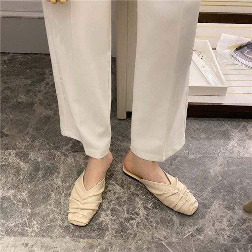 Closed Toe Block Heel Slip-On Rubber Slippers