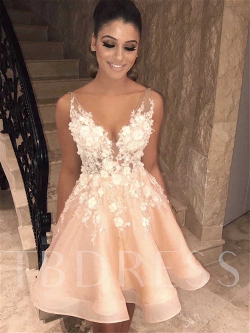 Appliques Short Mini V-Neck Ball Gown Homecoming Prom Dress 2021