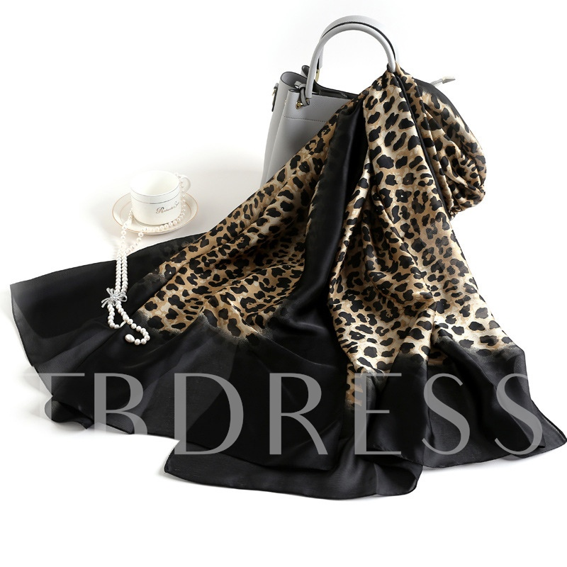 Fashion Leopard Silk Scarves