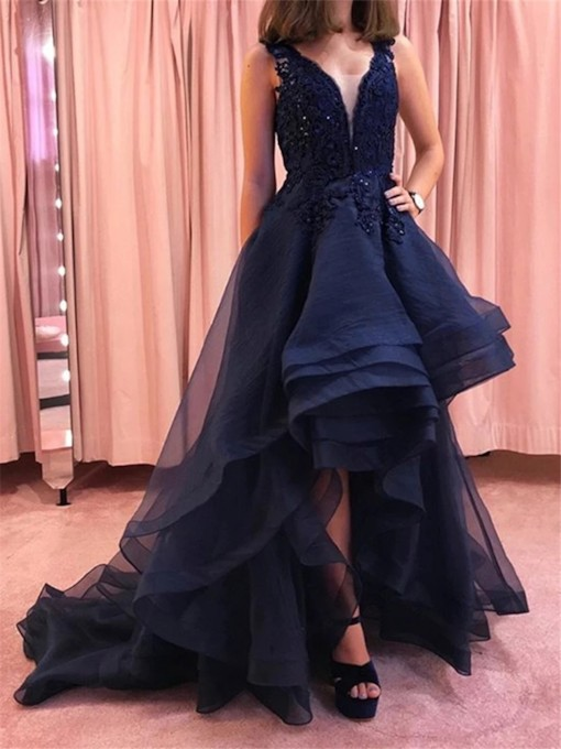 Court Appliques V-Neck Floor-Length Evening Dress 2021