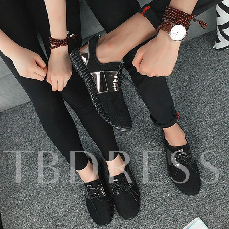 Lace-Up Flat With Low-Cut Upper Thread Sneakers