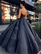 Ball Gown Spaghetti Straps Floor-Length Appliques Formal Dress 2020