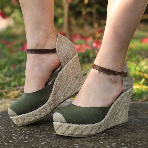 Line-Style Buckle Wedge Heel Heel Covering Closed Toe Casual Sandals