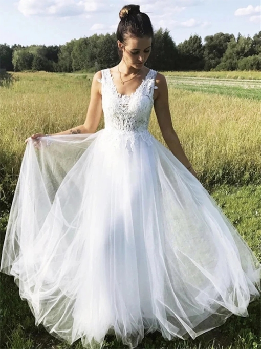 Sleeveless V-Neck A-Line Appliques Beach Wedding Dress 2021