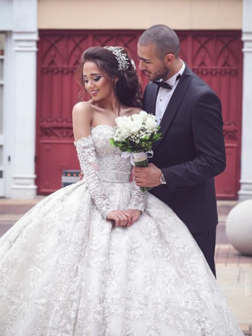 Cathedral Appliques Long Sleeves Sweetheart Hall Wedding Dress 2021