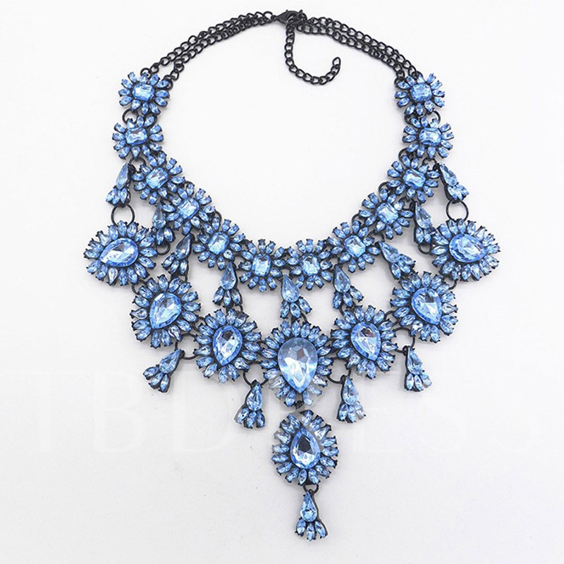 Fashion Crystal Inlaid Romantic Pendant Necklace Female Necklaces