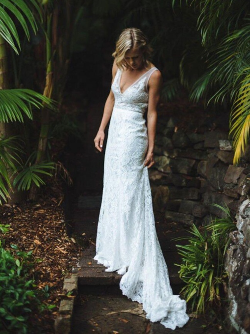Court Lace Floor-Length Backless V-Neck Beach Wedding Dress 2020