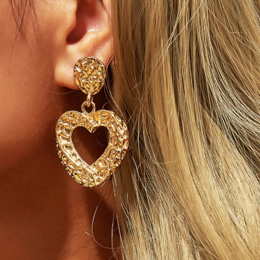 Sweet Alloy Heart-Shaped Wedding Earrings Fashion