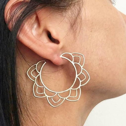 Hollow Out Sweet Alloy Gift Earrings