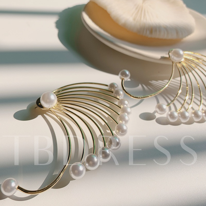 Sweet Pearl Inlaid Alloy Party Earrings