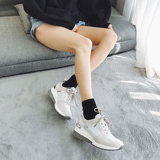 Low-Cut Upper Round Toe Lace-Up Thread Casual Sneakers