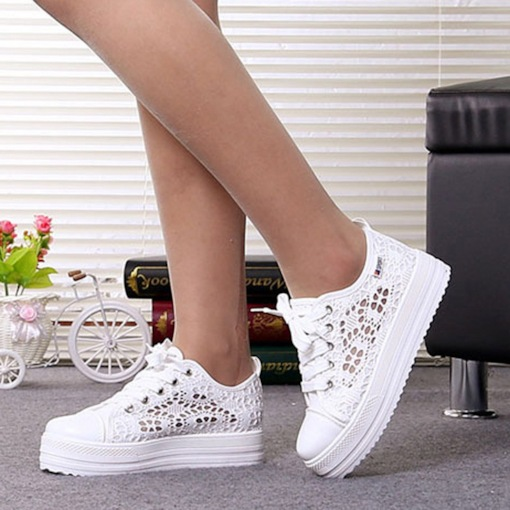 Hollow Lace-Up Round Toe Low-Cut Upper Korean Sneakers