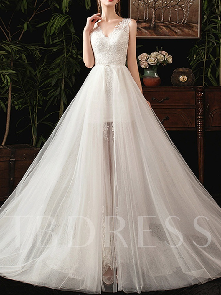 Lace Appliques V-Neck Floor-Length Hall Wedding Dress 2020