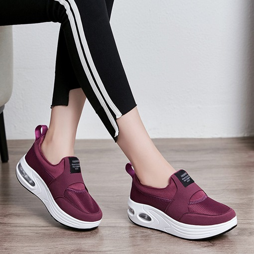 Slip-On Low-Cut Upper Platform Round Toe Platform Sneakers