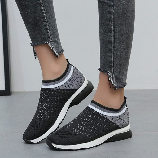 Slip-On Round Toe Flat With Sneakers